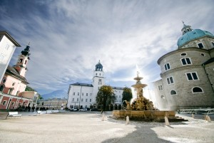 Residenzplatz, Glockenspiel, Dom